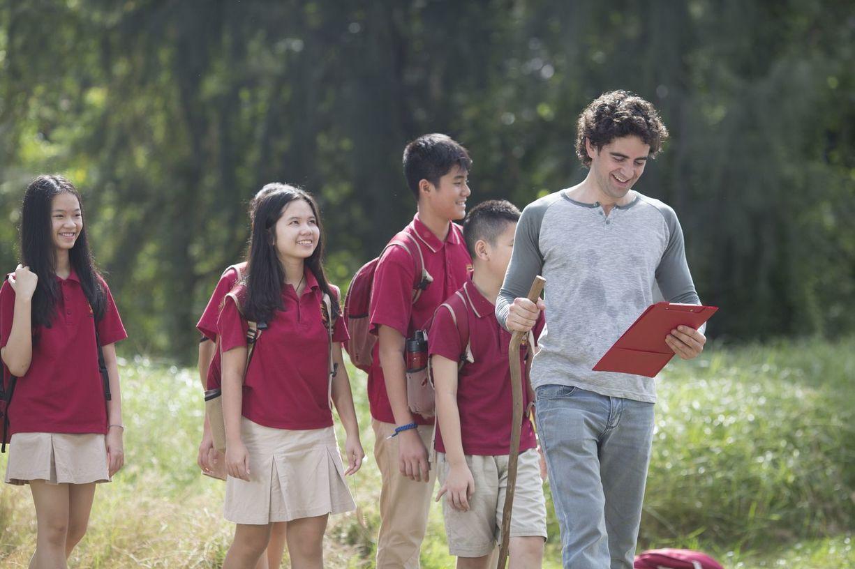 Vụ phụ huynh kéo đến trường phản đối học phí: Trường Dân lập Quốc tế Việt Úc TP.HCM có chi phí đắt cỡ nào? - Ảnh 1