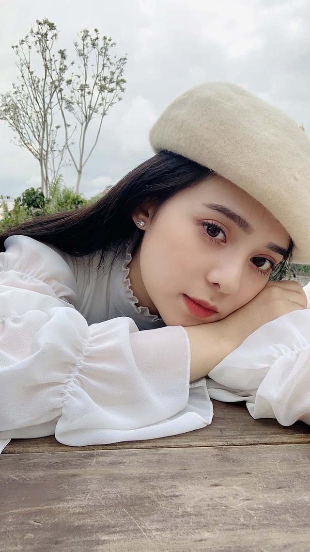 Gương mặt xinh như hoa của nữ MC đài phát thanh truyền hình Tây Ninh gây bão mạng - Ảnh 3