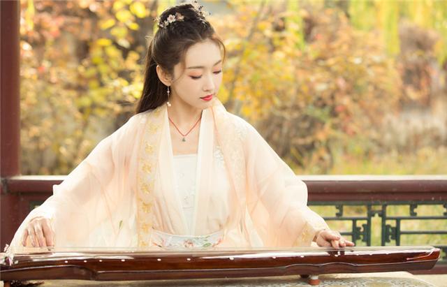 """Top 10 mỹ nhân Hoa Ngữ được yêu thích nhất tháng 5: Dương Mịch """"dạt"""" ra ngoài nhường chỗ cho cái tên cực hot - Ảnh 5"""