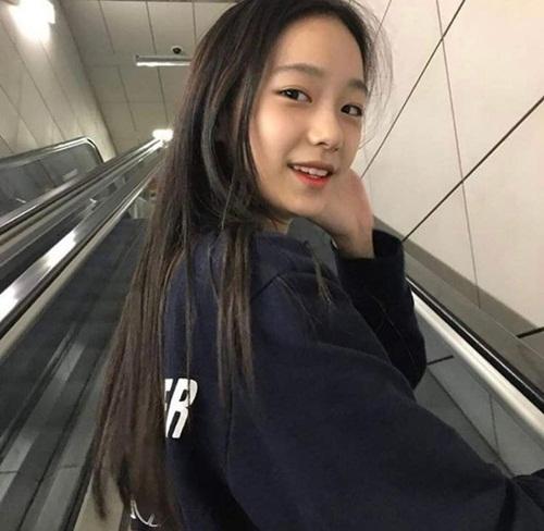 Vẻ đẹp nàng thơ mới của làng giải trí Kpop được khen giống YoonA và Krystal - Ảnh 2