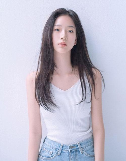 Vẻ đẹp nàng thơ mới của làng giải trí Kpop được khen giống YoonA và Krystal - Ảnh 4