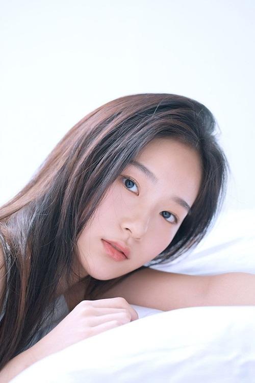 Vẻ đẹp nàng thơ mới của làng giải trí Kpop được khen giống YoonA và Krystal - Ảnh 6