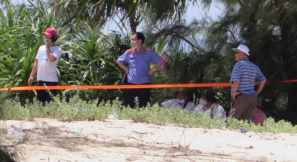 Vụ bé gái 13 tuổi bị sát hại trong rừng sau khi kêu cứu: Động cơ của nghi phạm là gì? - Ảnh 1