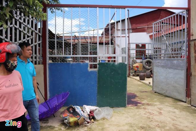 Thông tin bất ngờ về gia đình nghi phạm sát hại vợ chồng chủ nợ ở Điện Biên - Ảnh 1