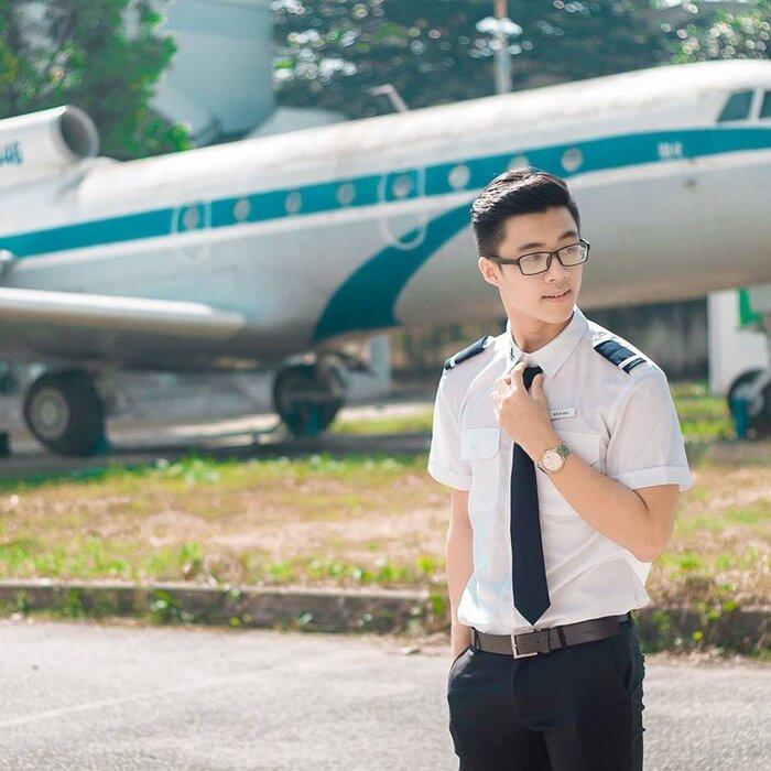 """Ngắm những bộ đồng phục đẹp lạ, """"được lòng"""" sinh viên Việt Nam nhất - Ảnh 4"""