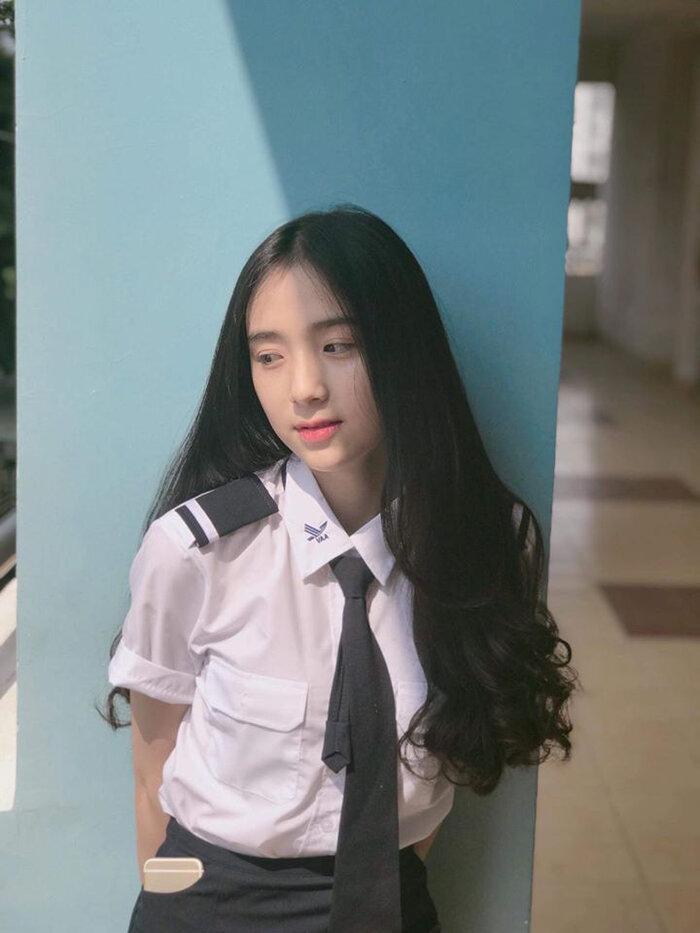 """Ngắm những bộ đồng phục đẹp lạ, """"được lòng"""" sinh viên Việt Nam nhất - Ảnh 6"""