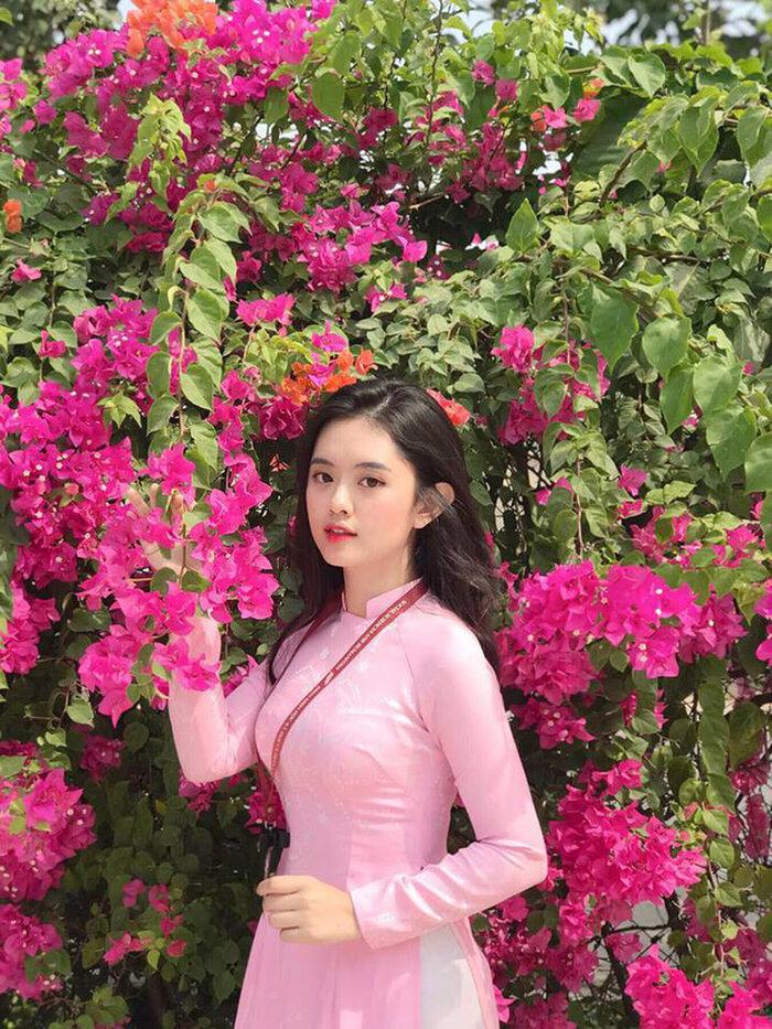 """Ngắm những bộ đồng phục đẹp lạ, """"được lòng"""" sinh viên Việt Nam nhất - Ảnh 11"""