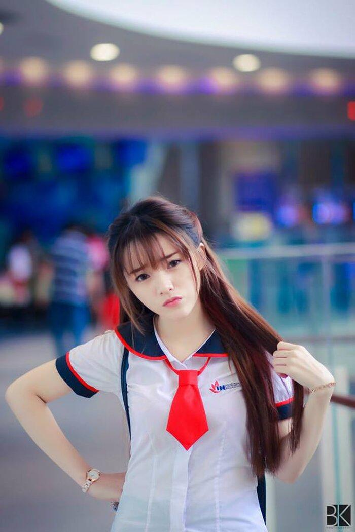 """Ngắm những bộ đồng phục đẹp lạ, """"được lòng"""" sinh viên Việt Nam nhất - Ảnh 12"""