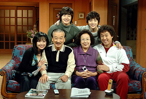 """Những vai diễn để đời của """"Ông nội quốc dân"""" Lee Soon Jae sau 60 năm lăn lộn ngành giải trí - Ảnh 1"""
