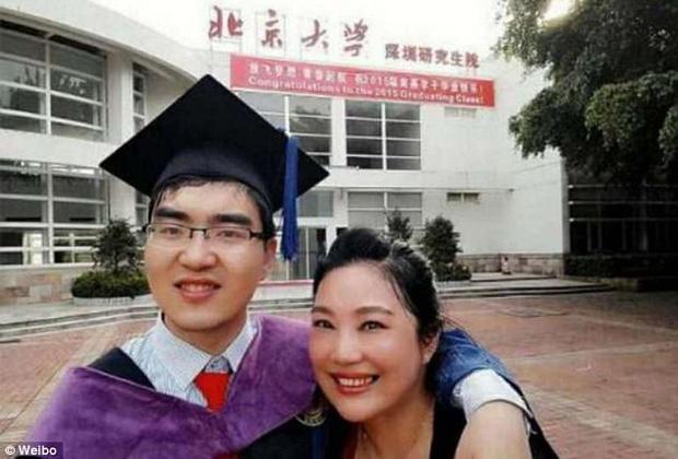 Kỳ tích về chàng trai bại não bẩm sinh thi đỗ đại học với điểm cao chót vót - Ảnh 1