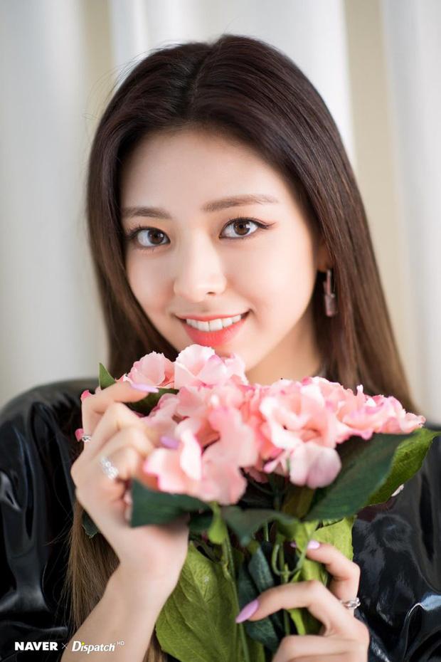 """Chuyên gia thẩm mỹ chọn ra ba sao nữ Hàn có đôi mắt hoàn hảo nhất: Yuna quả thực rất đẹp nhưng vẫn thua mỹ nhân """"phóng điện"""" này - Ảnh 3"""