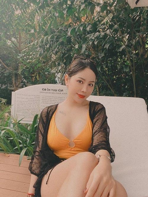 Ngắm nhan sắc cùng gu thời trang khác biệt của nữ cơ phó xinh đẹp nhất Việt Nam lúc ngoài buồng lái - Ảnh 6