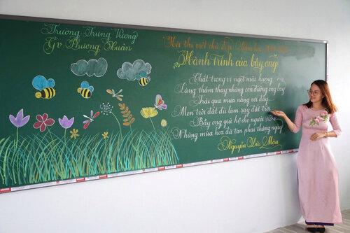 Cô giáo Quảng Trị viết chữ đẹp như vẽ tranh gây sốt mạng xã hội - Ảnh 4