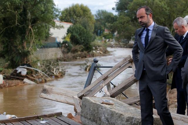 Lũ quét tồi tệ nhất trong hơn 100 năm tại Pháp, ít nhất 13 người thiệt mạng - Ảnh 12