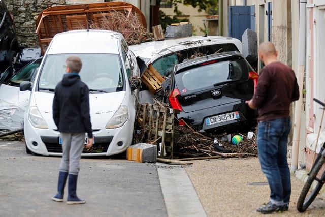 Lũ quét tồi tệ nhất trong hơn 100 năm tại Pháp, ít nhất 13 người thiệt mạng - Ảnh 13