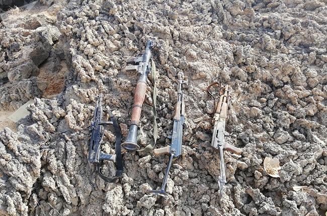 Phiến quân IS vội vàng bỏ vũ khí, cạo râu, tháo chạy khỏi miền nam Syria - Ảnh 2