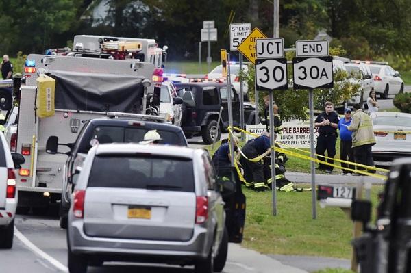 Xe limousine đi dự tiệc cưới gặp nạn, 20 người thiệt mạng  - Ảnh 1