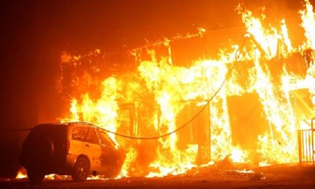 Cháy rừng như tận thế tại Mỹ: Một thị trấn bị thiêu rụi, ít nhất 5 người thiệt mạng - Ảnh 5