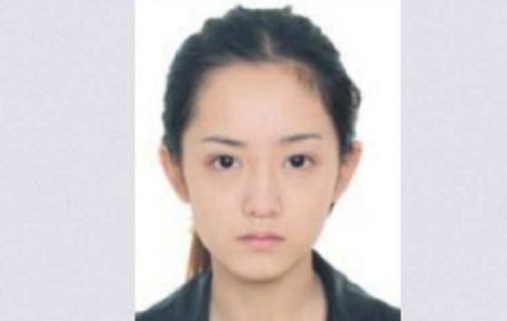 Nữ tội phạm lẩn trốn sở hữu ngoại hình xinh đẹp gây sốt khắp Trung Quốc - Ảnh 1