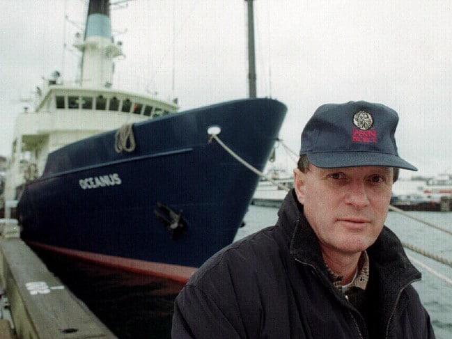 Xác tàu Titanic được cựu sĩ quan tình báo hải quân Mỹ tìm thấy như thế nào?  - Ảnh 1