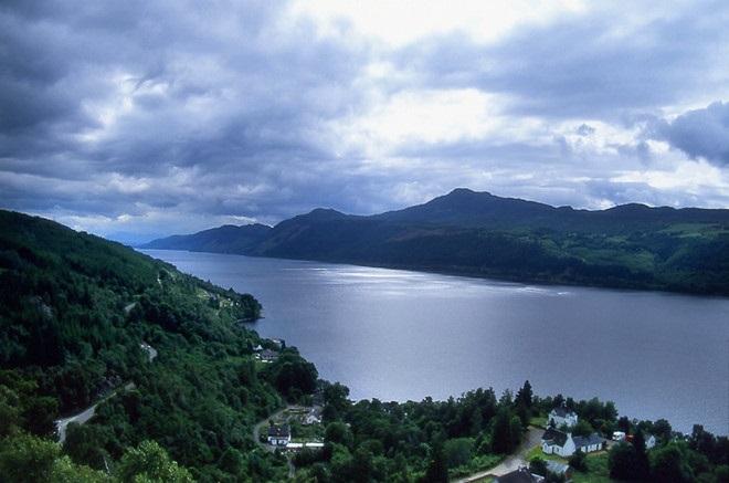Nhà sử gia Anh tung bằng chứng chứng minh quái vật Loch Ness tồn tại - Ảnh 3