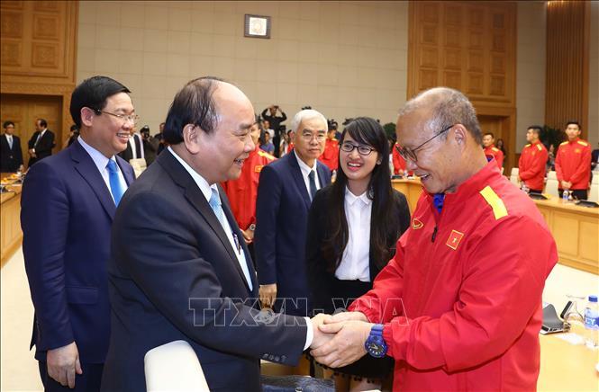 Thủ tướng trao thưởng cho đội tuyển Việt Nam vô địch AFF Suzuki Cup 2018 - Ảnh 1