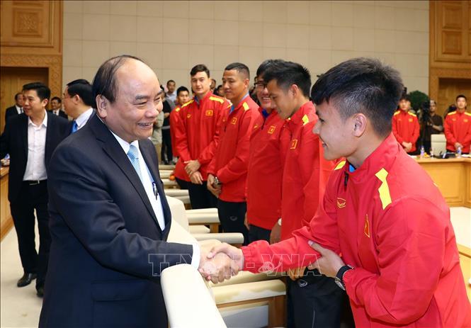 Thủ tướng trao thưởng cho đội tuyển Việt Nam vô địch AFF Suzuki Cup 2018 - Ảnh 2