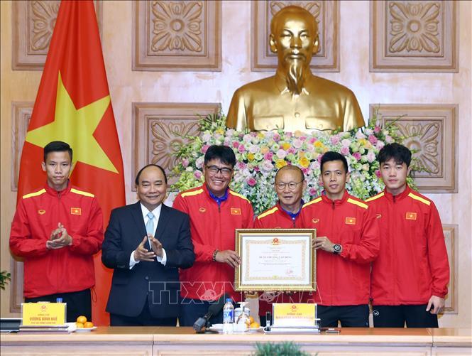 Thủ tướng trao thưởng cho đội tuyển Việt Nam vô địch AFF Suzuki Cup 2018 - Ảnh 5