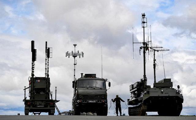 """Nga triển khai hệ thống tác chiến điện tử """"hung hăng nhất hành tinh"""" tại Syria? - Ảnh 1"""