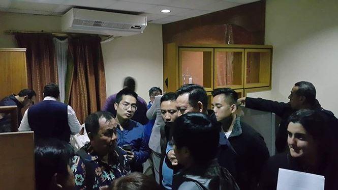 Bộ trưởng Nguyễn Ngọc Thiện yêu cầu đề xuất hướng xử lý vụ xe chở du khách Việt bị đánh bom  - Ảnh 2