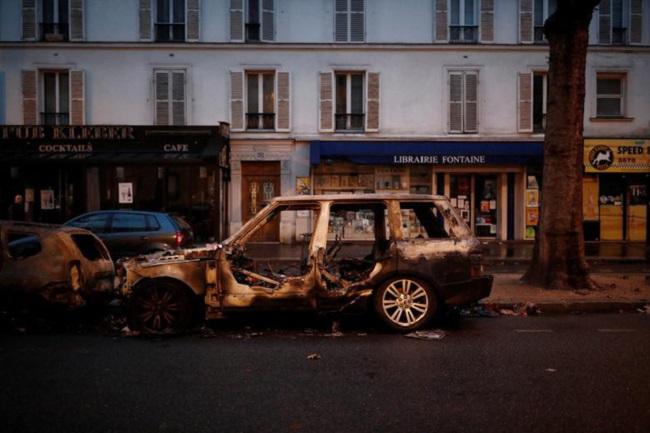 """Cuộc bạo động tồi tệ nhất trong 50 năm ở Pháp, Paris bất đắc dĩ biến thành """"chiến trường"""" - Ảnh 4"""