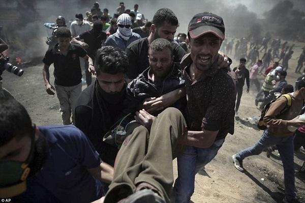 Israel bắn chết hàng chục người biểu tình phản đối Mỹ mở đại sứ quán ở Jerusalem - Ảnh 6