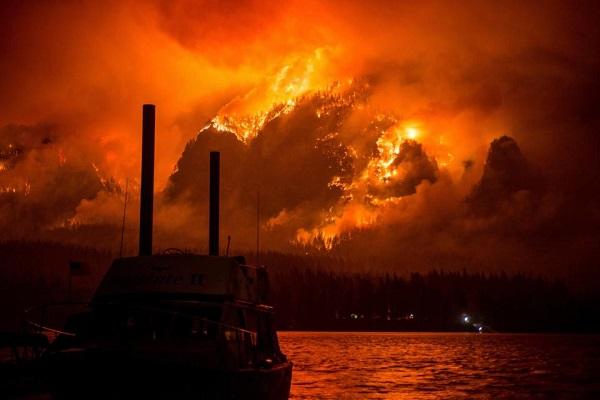 Lỡ nghịch dại, thiếu niên 15 tuổi nhận án phạt 37 triệu USD vì gây cháy rừng kinh hoàng - Ảnh 2