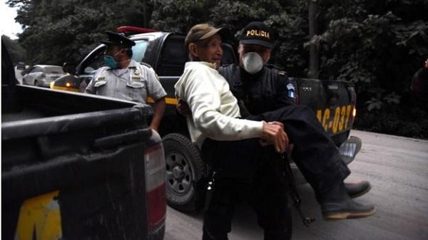 Núi lửa Guatemala phun trào dữ dội, hơn 300 người thương vong - Ảnh 1