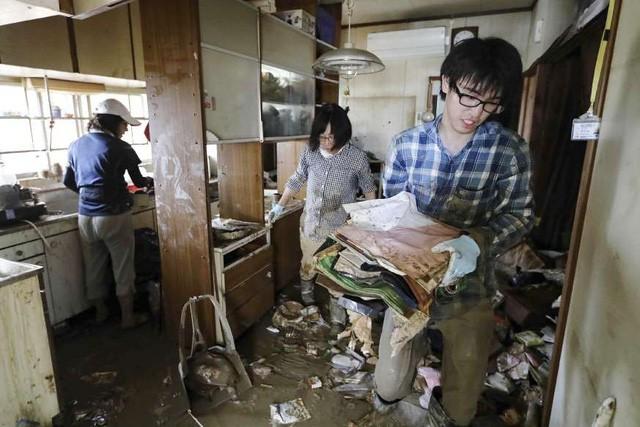 Trận mưa lũ lịch sử đã tàn phá Nhật Bản khủng khiếp tới mức nào? - Ảnh 9