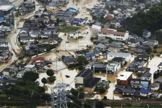 Trận mưa lũ lịch sử đã tàn phá Nhật Bản khủng khiếp tới mức nào? - Ảnh 7