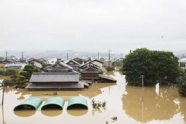 Trận mưa lũ lịch sử đã tàn phá Nhật Bản khủng khiếp tới mức nào? - Ảnh 8