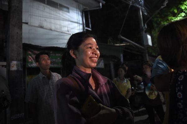 Bầu không khí vui mừng ngập tràn khắp Thái Lan khi đội bóng được giải cứu thành công - Ảnh 8
