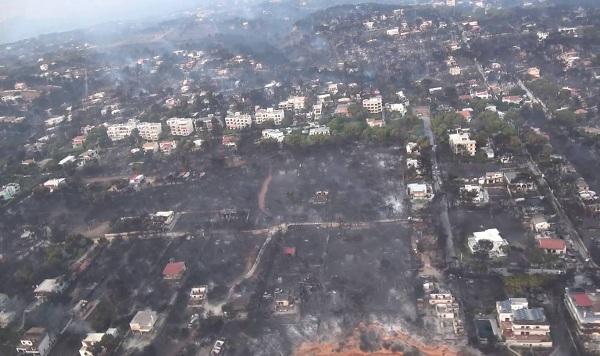 """Hy Lạp: Cận cảnh """"quỷ lửa"""" nuốt trọn gần 100 ngôi nhà, ít nhất 74 người chết - Ảnh 18"""