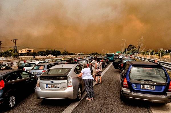 """Hy Lạp: Cận cảnh """"quỷ lửa"""" nuốt trọn gần 100 ngôi nhà, ít nhất 74 người chết - Ảnh 11"""