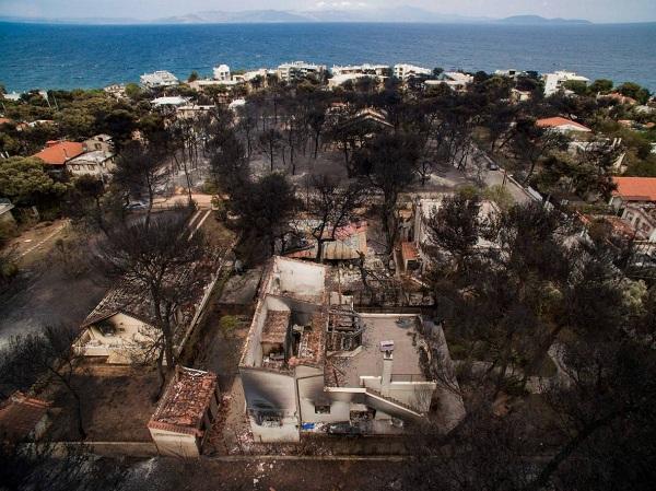 """Hy Lạp: Cận cảnh """"quỷ lửa"""" nuốt trọn gần 100 ngôi nhà, ít nhất 74 người chết - Ảnh 15"""