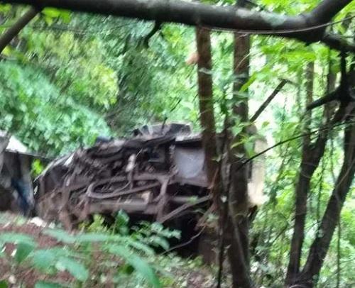 Tai nạn thảm khốc: Xe đi dã ngoại lao xuống vực sâu, 33 người thiệt mạng - Ảnh 2