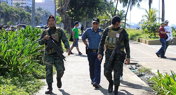 Ít nhất 7 người thiệt mạng trong vụ đánh bom xe ở Philippines - Ảnh 1