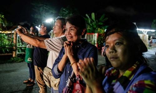Hiện trường giải cứu đội bóng Thái Lan: Khẩn trương và kỷ luật  - Ảnh 13