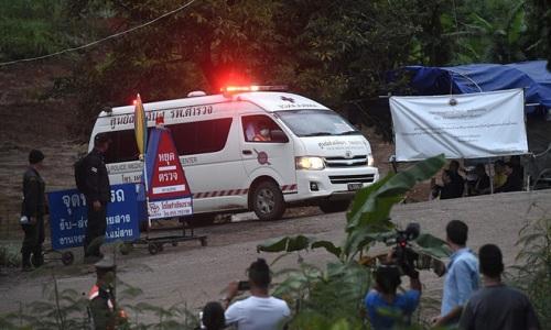 Hiện trường giải cứu đội bóng Thái Lan: Khẩn trương và kỷ luật  - Ảnh 16