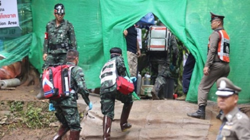 Hiện trường giải cứu đội bóng Thái Lan: Khẩn trương và kỷ luật  - Ảnh 6