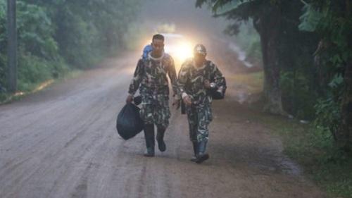 Hiện trường giải cứu đội bóng Thái Lan: Khẩn trương và kỷ luật  - Ảnh 7