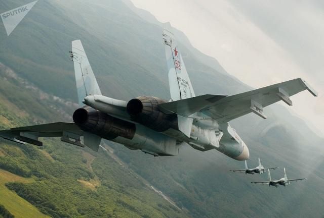 Chiêm ngưỡng dàn khí tài và lực lượng binh sĩ hùng hậu bảo vệ vùng trời của Nga - Ảnh 1