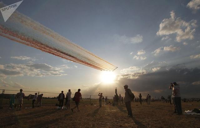 Chiêm ngưỡng dàn khí tài và lực lượng binh sĩ hùng hậu bảo vệ vùng trời của Nga - Ảnh 10