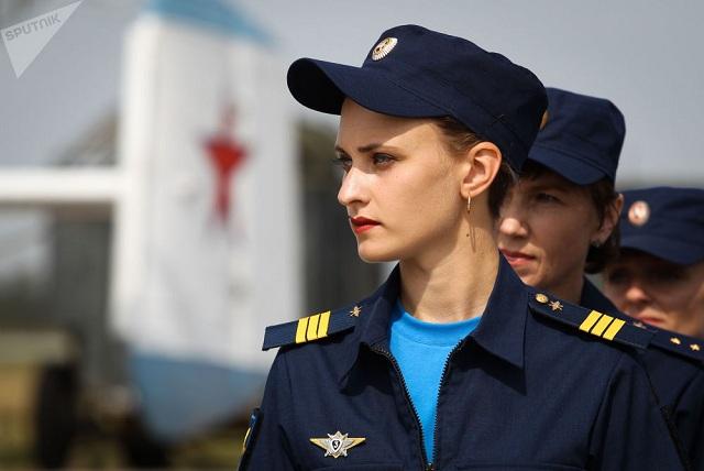 Chiêm ngưỡng dàn khí tài và lực lượng binh sĩ hùng hậu bảo vệ vùng trời của Nga - Ảnh 12